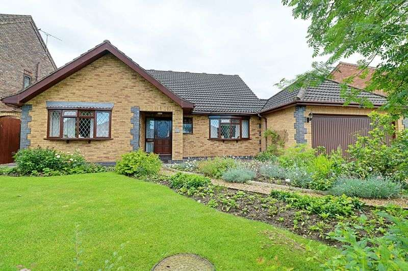 3 Bedrooms Detached Bungalow for sale in Kealholme Road, Scunthorpe