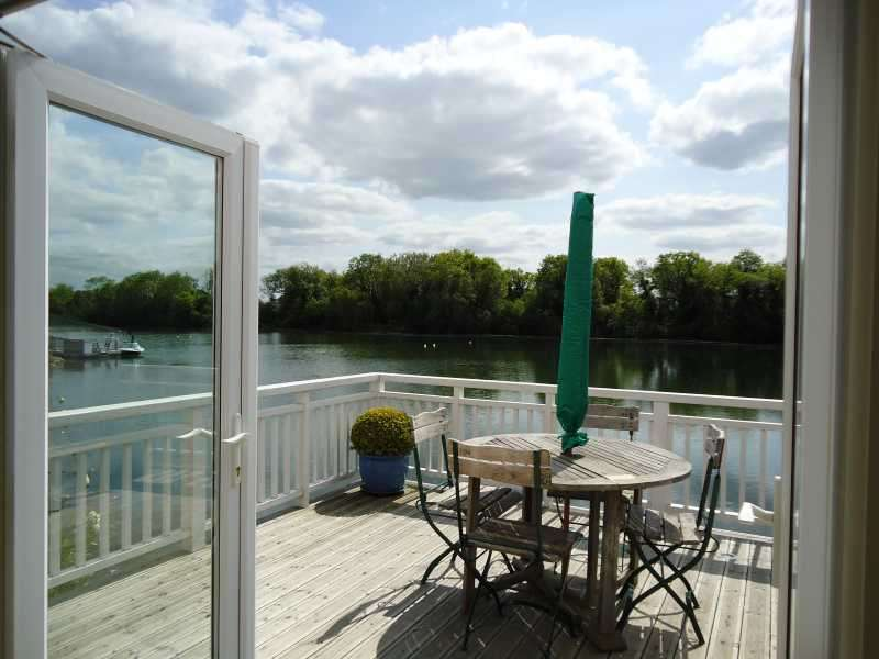 2 Bedrooms Property for sale in 45 Spring Lake, South Cerney, Cirencester, GL7 5TH