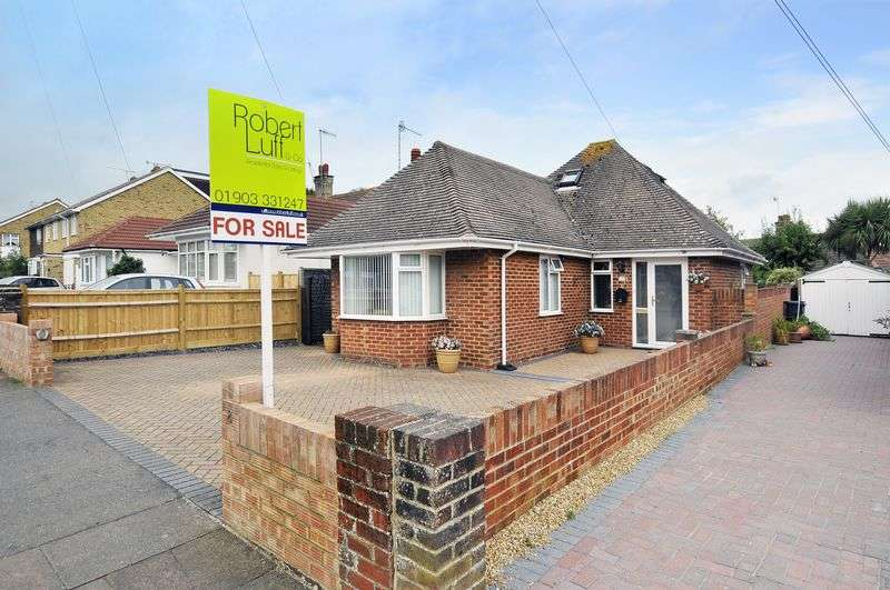 2 Bedrooms Bungalow for sale in Bellview Road, Worthing