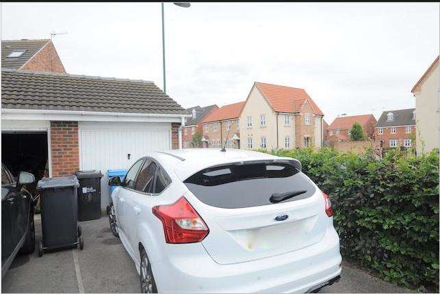 4 Bedrooms Town House for sale in Staunton Park, Kingswood, Hull, HU7 3GB
