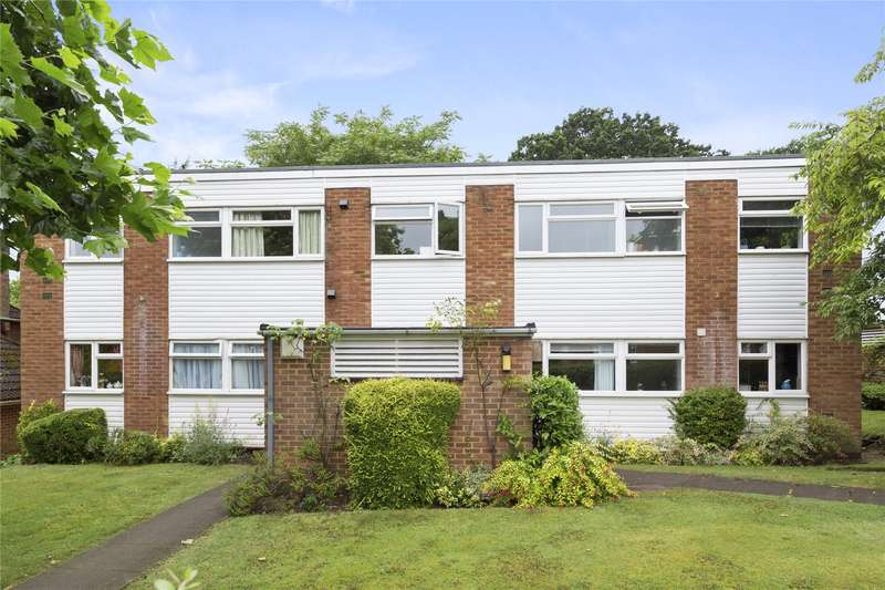 2 Bedrooms Flat for sale in Princes Court, Princes Road, Weybridge, Surrey, KT13