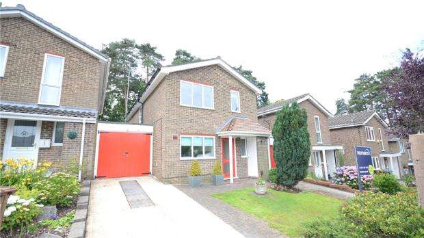 3 Bedrooms Detached House for sale in Orion, Bracknell, Berkshire
