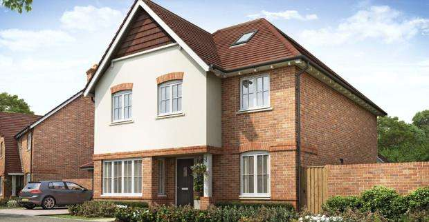 5 Bedrooms Detached House for sale in Brambleside, Knights Close, Crookham Village
