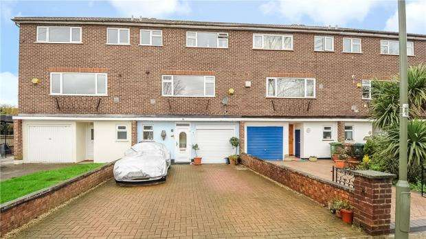 4 Bedrooms Terraced House for sale in Georgian Close, Staines-upon-Thames, Surrey