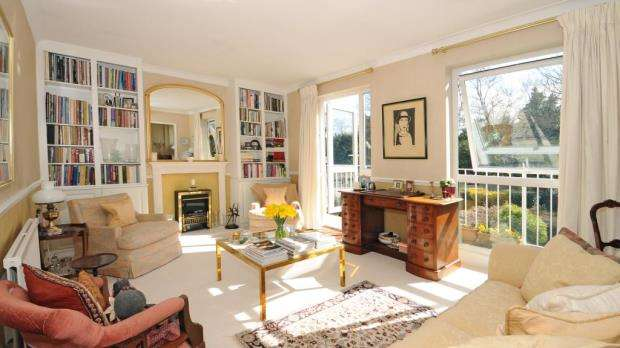 2 Bedrooms Apartment Flat for sale in Hambleton, Burfield Road, Old Windsor