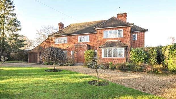 4 Bedrooms Detached House for sale in 161 Barkham Road, Wokingham, Berkshire, RG41 2RS