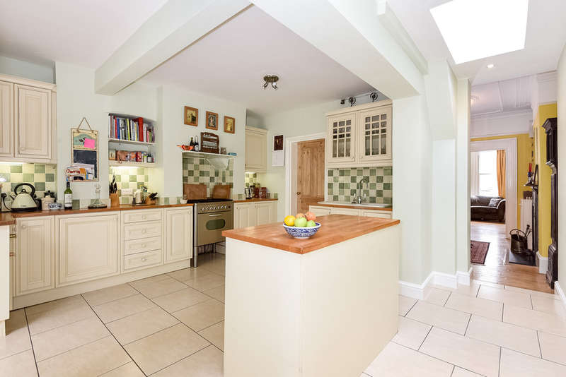 3 Bedrooms Terraced House for sale in Stanhope Gardens, Harringay