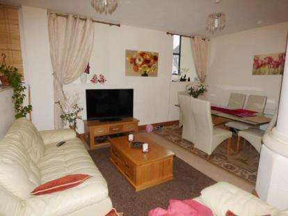 3 Bedrooms Flat for sale in 74 Locking Road, Weston Super Mare