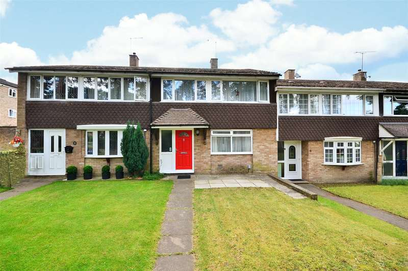3 Bedrooms Terraced House for sale in Membury Walk, Bracknell, Berkshire, RG12