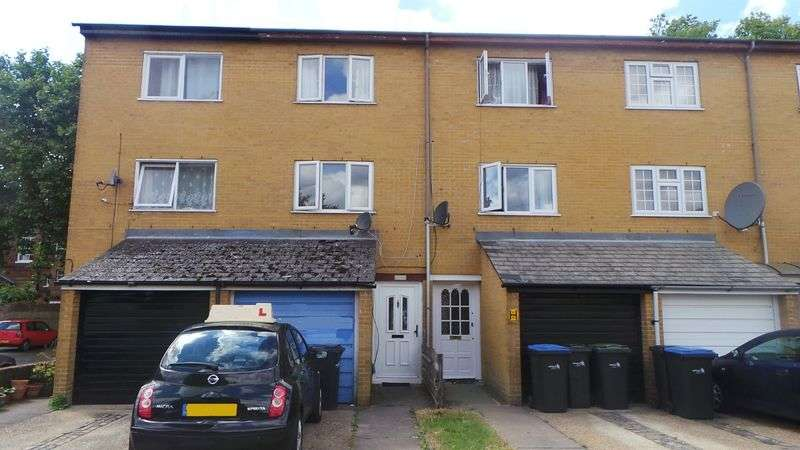 3 Bedrooms Terraced House for sale in Strand Place, Edmonton, N18