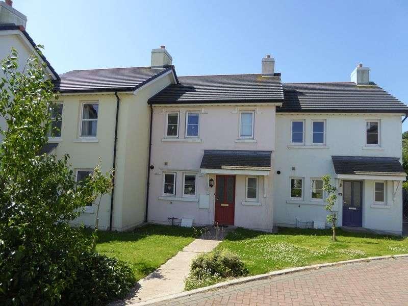 3 Bedrooms Terraced House for sale in 38 Corran Pirragh, Peel
