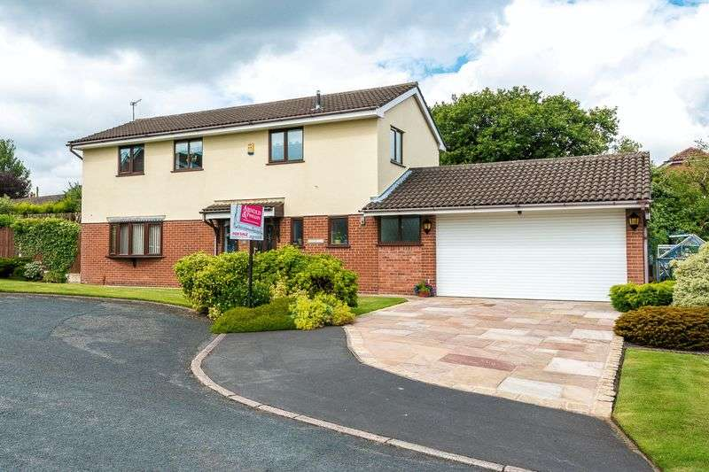 4 Bedrooms Detached House for sale in Cromedale Crescent, Standish