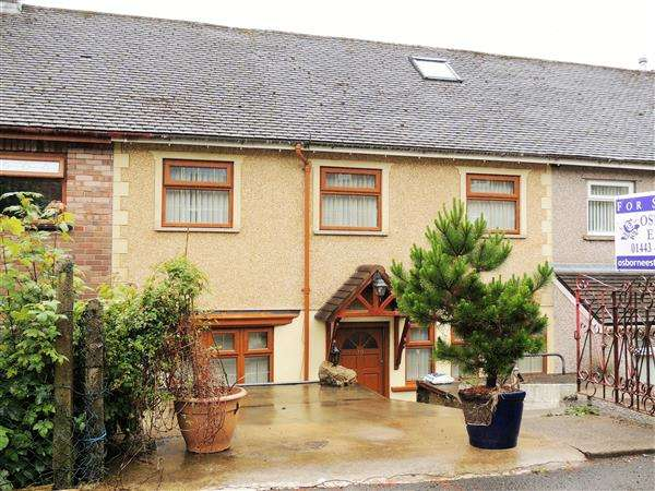 3 Bedrooms Semi Detached House for sale in Bryncrydd, Trebanog, Porth
