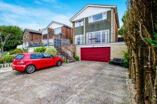 4 Bedrooms Detached House for sale in Rowan Way, Rottingdean, Brighton, East Sussex