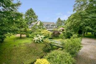5 Bedrooms Detached House for sale in Fryern Park, Fryern Road, Storrington, West Sussex