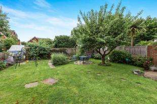 3 Bedrooms Semi Detached House for sale in Highfield Close, Easebourne, Midhurst, West Sussex
