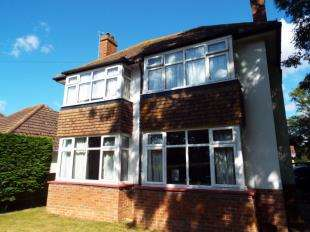 4 Bedrooms Detached House for sale in Pinehurst Park, Bognor Regis, West Sussex