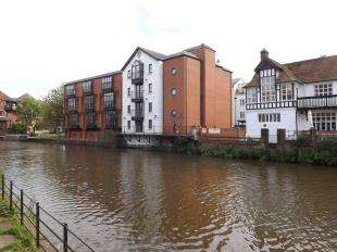 2 Bedrooms Flat for sale in Maylams Quay, Medway Wharf Road, Tonbridge, Kent