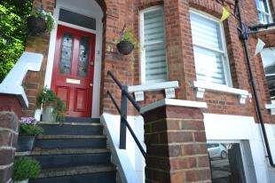 2 Bedrooms Maisonette Flat for sale in Grosvenor Park, Tunbridge Wells, Kent