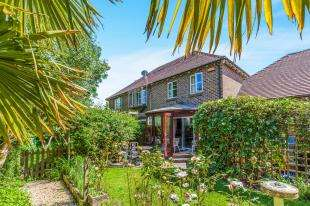 3 Bedrooms End Of Terrace House for sale in Malthouse Way, Cooksbridge, Lewes, East Sussex