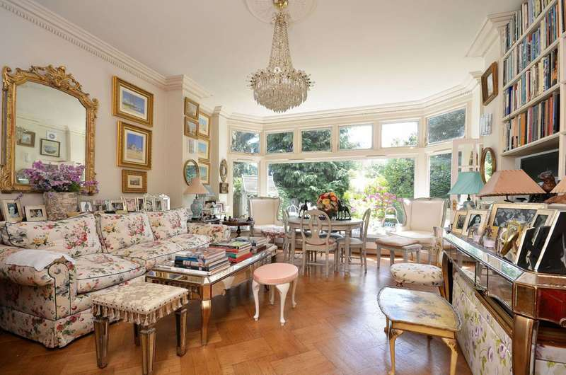 2 Bedrooms Flat for sale in Langley Avenue, Surbiton, KT6