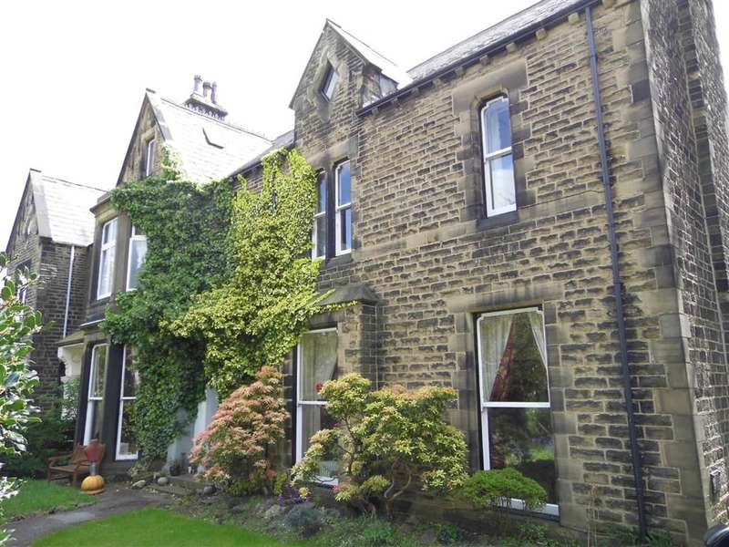 7 Bedrooms Property for sale in 24, Imperial Road, Edgerton, Huddersfield