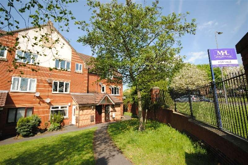 3 Bedrooms Maisonette Flat for sale in Hackworth Close, Wigan, WN1