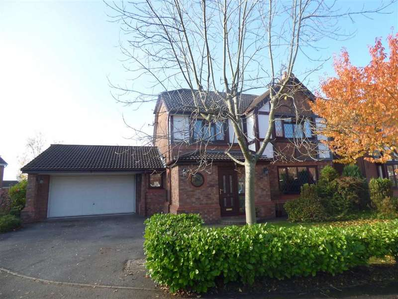 4 Bedrooms Property for sale in Walsingham Avenue, Alkrington, Middleton, Manchester, M24