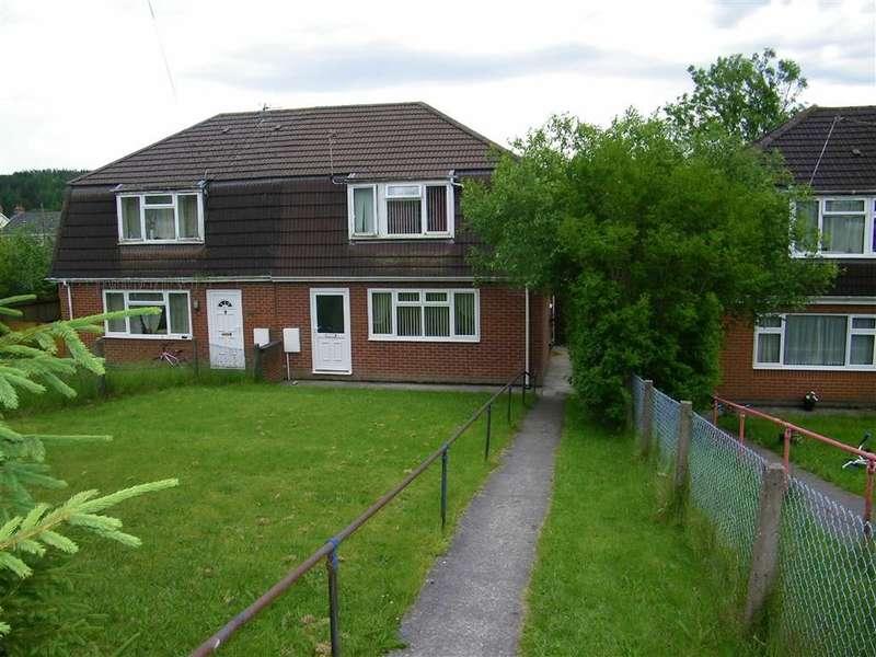 3 Bedrooms Property for sale in Heol Y Gelynen, Upper Brynamman