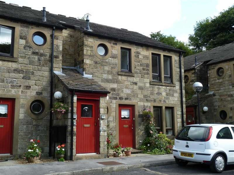 2 Bedrooms Property for sale in Pickhill Mews, Uppermill, SADDLEWORTH, OL3