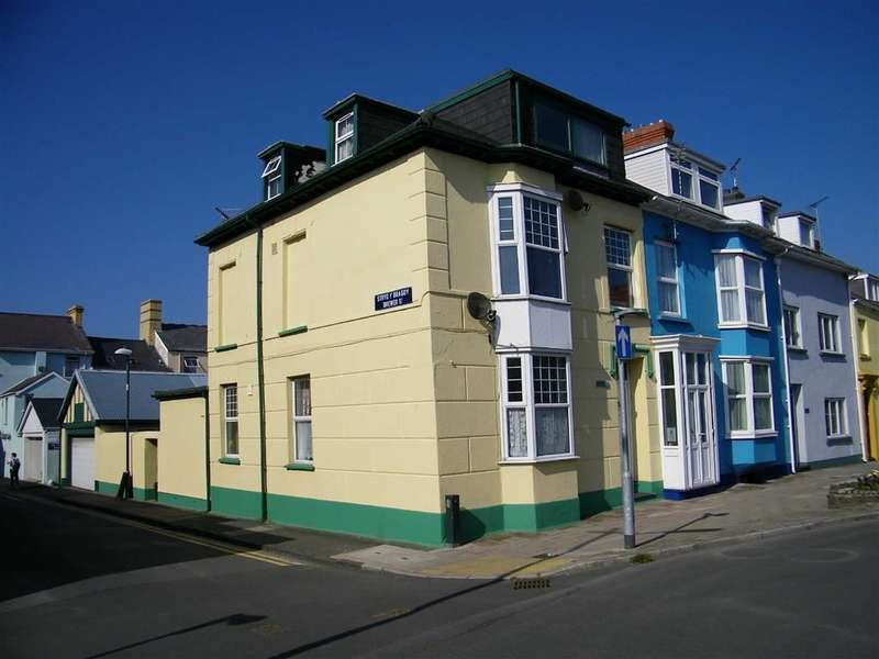 3 Bedrooms Flat for sale in Alexandra Road, Aberystwyth
