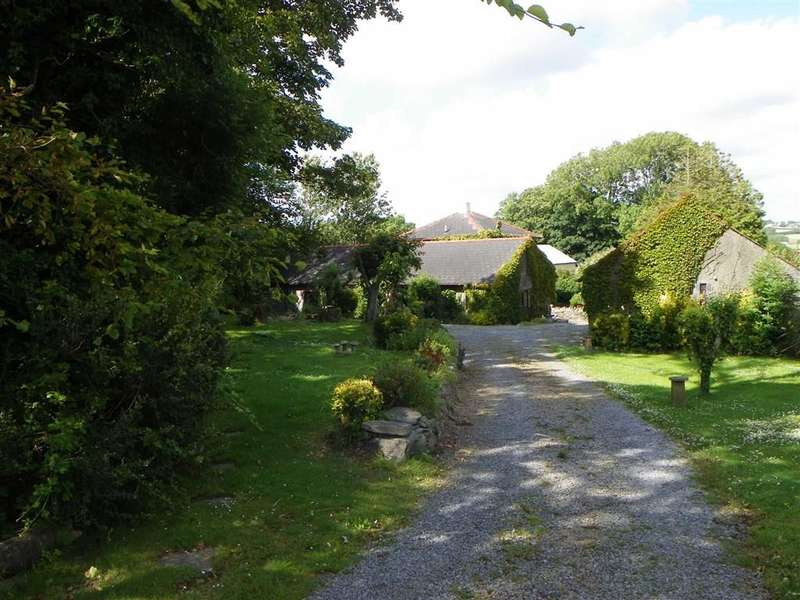 4 Bedrooms Property for sale in West Grove Lane, Hundleton