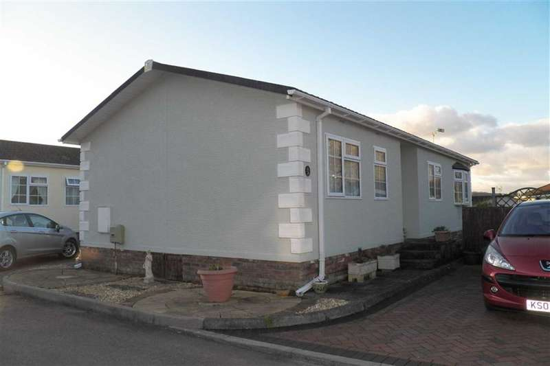 2 Bedrooms Park Home Mobile Home for sale in Towy View Park, Capel Dewi Road, Carmarthen