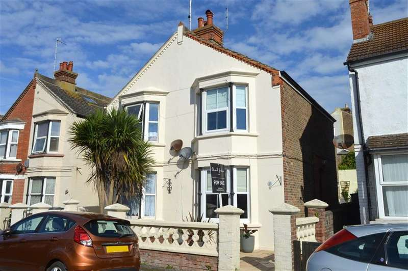 3 Bedrooms Property for sale in Brooklyn Road, Seaford, East Sussex
