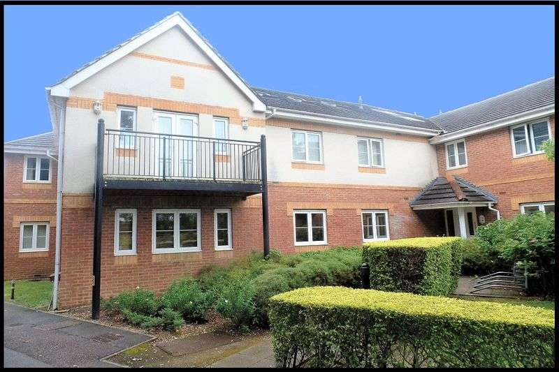 2 Bedrooms Flat for sale in The Brambles, Salisbury Road, Totton