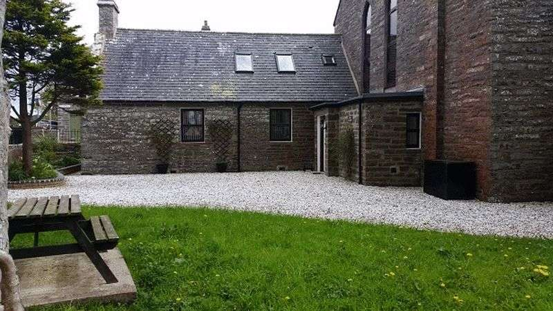 2 Bedrooms Property for sale in Old Church Hall, Lybster