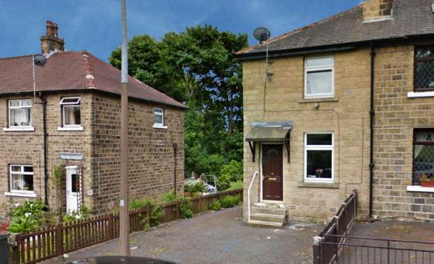 2 Bedrooms Property for sale in Victory Avenue., Huddersfield, West Yorkshire, HD3 4HA