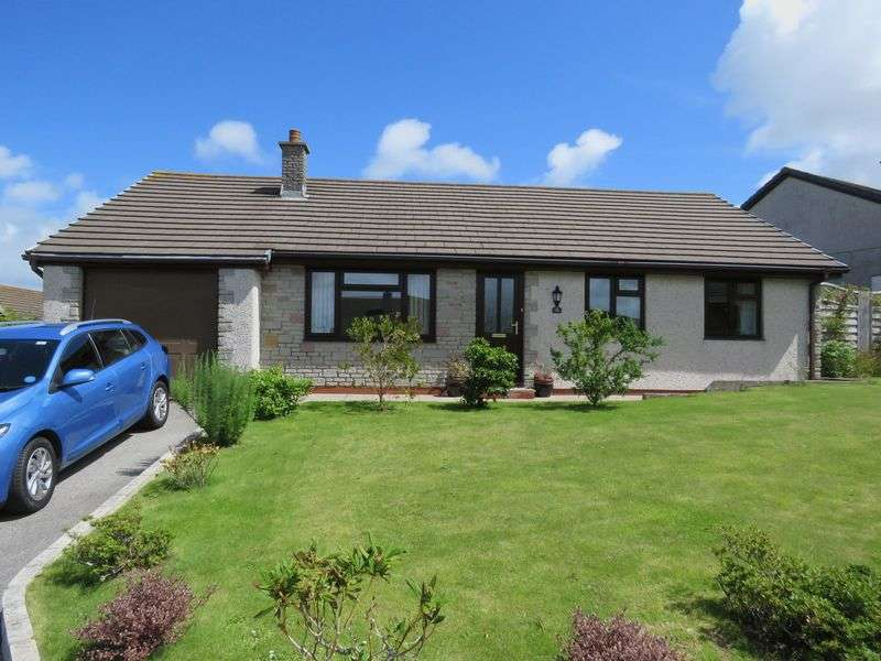 3 Bedrooms Detached Bungalow for sale in Knights Way, Redruth
