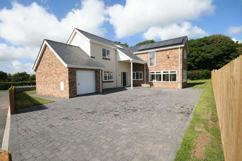 4 Bedrooms Detached House for sale in Llangristiolus, Anglesey