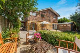 4 Bedrooms Detached House for sale in Swan Lane, Edenbridge, Kent