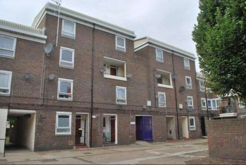 3 Bedrooms Flat for sale in Ullin Street, Langdon Park, London, E14 6PN