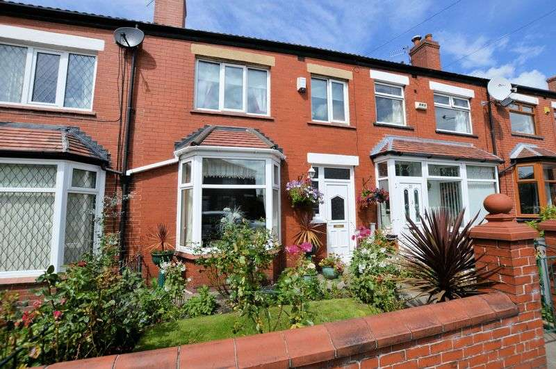 3 Bedrooms Terraced House for sale in Fourth Avenue, Bury