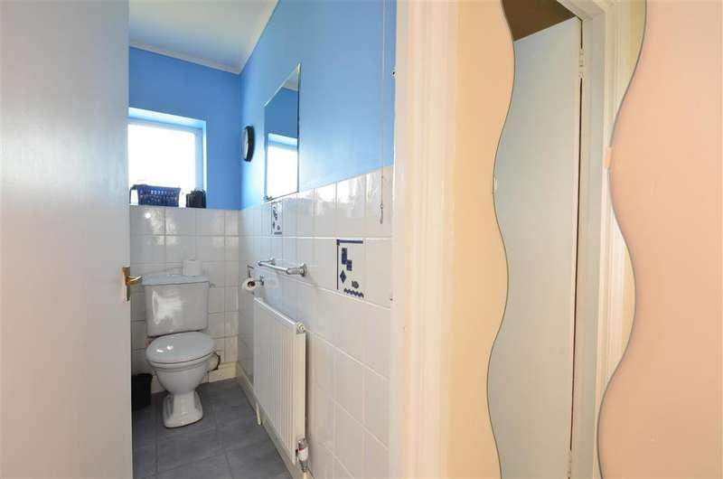 1 Bedroom Flat for sale in Carden Avenue, Patcham, Brighton, East Sussex