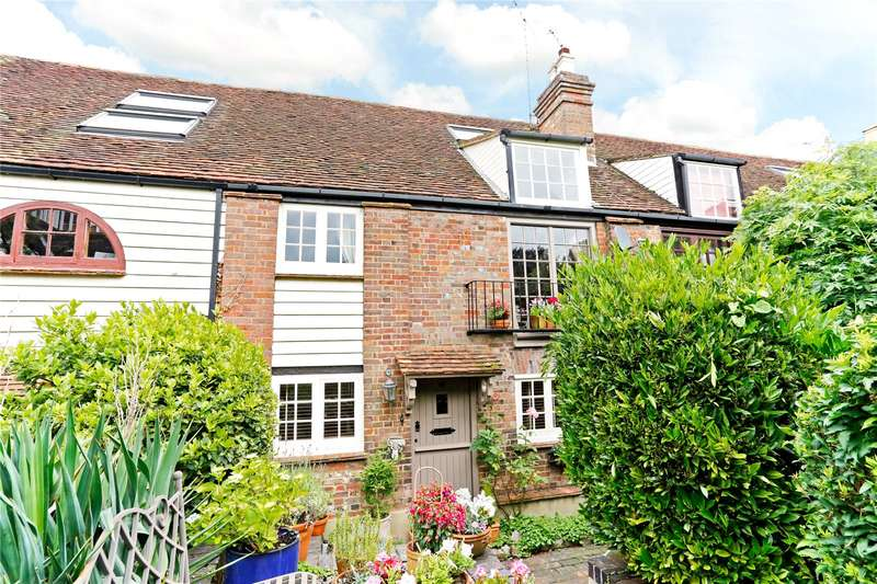 2 Bedrooms Terraced House for sale in Graces Maltings, Tring, Hertfordshire, HP23