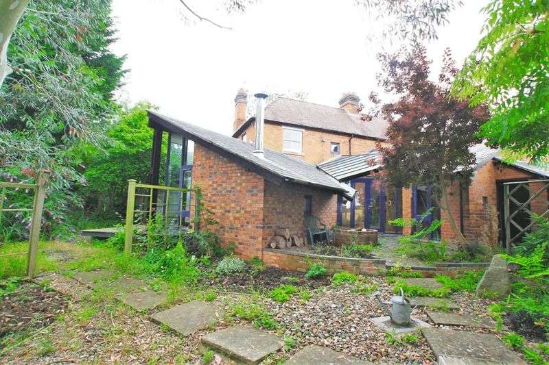 2 Bedrooms Semi Detached House for sale in Nr Alfrick Worcestershire