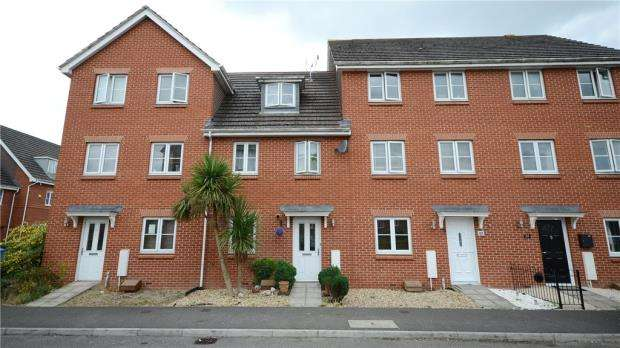 3 Bedrooms Terraced House for sale in Vixen Drive, Aldershot, Hampshire