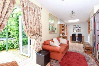 4 Bedrooms Detached House for sale in Derby Road, South Woodford, London
