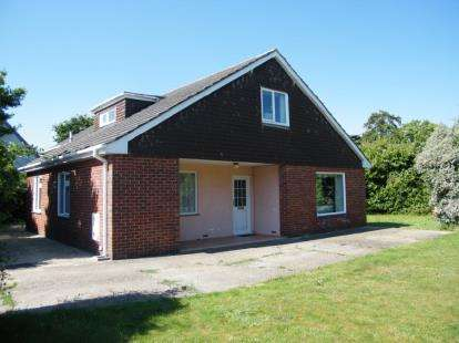 5 Bedrooms Bungalow for sale in Fawley, Southampton, Hampshire