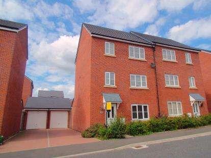 5 Bedrooms Semi Detached House for sale in Laburnum Road, Blackburn, Lancashire, BB1