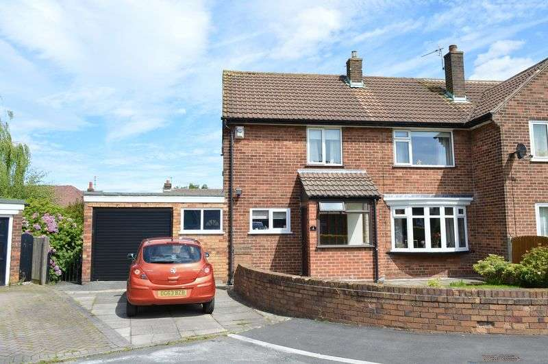 3 Bedrooms Semi Detached House for sale in Kirkham Avenue, Lowton, WA3 1LL